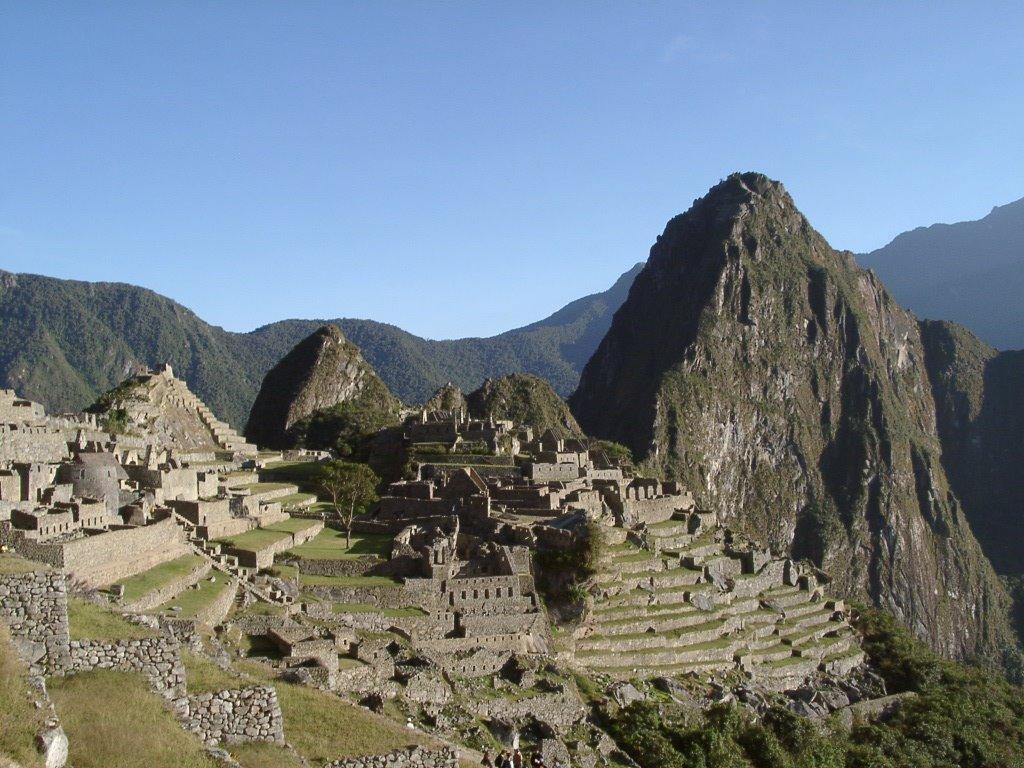 Machu Picchu full Peru
