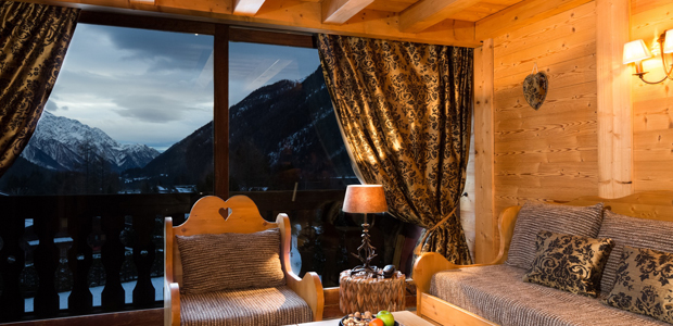 Winter or summer : a hotel in Chamonix