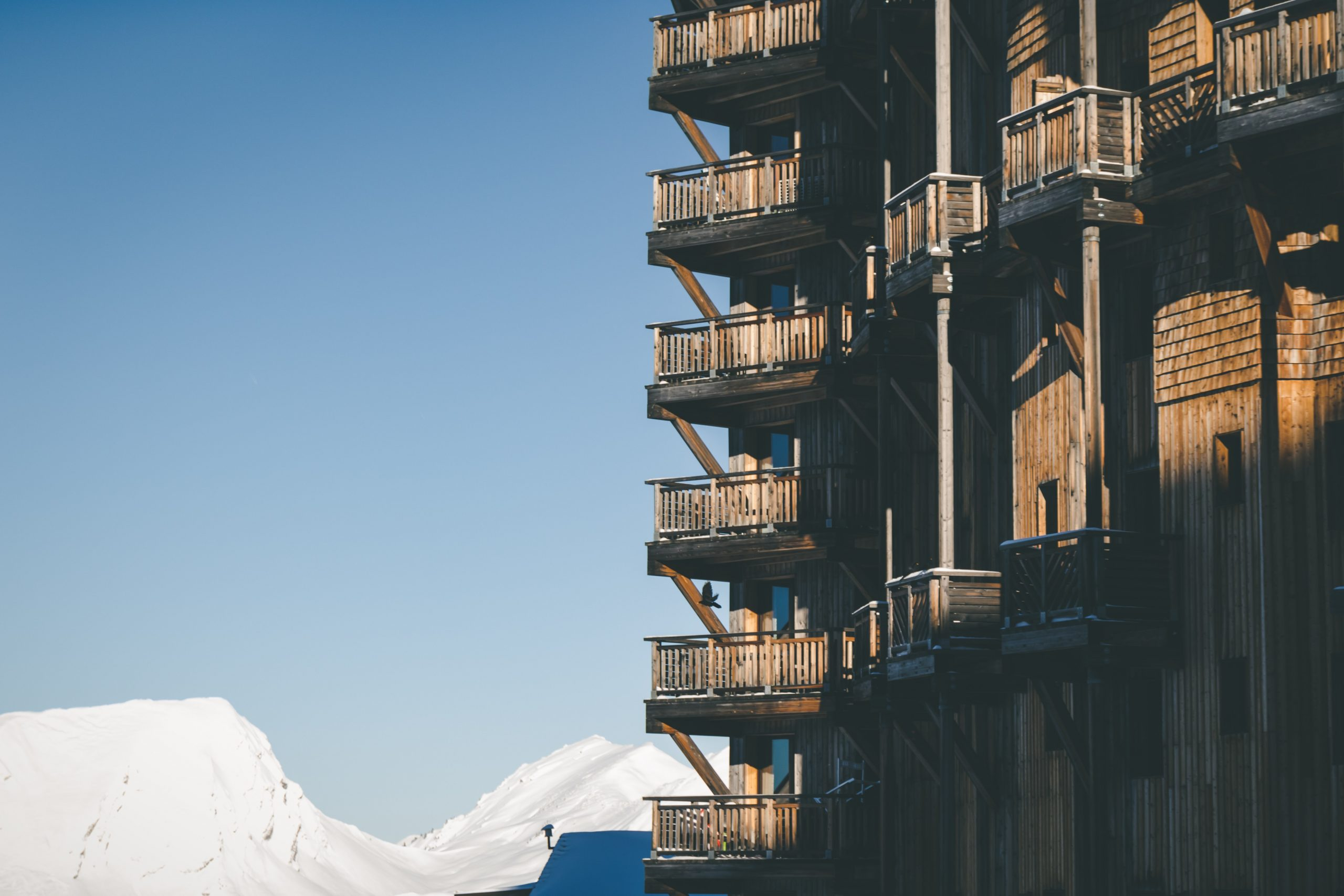 What are the best skiing spots in the French Alps?
